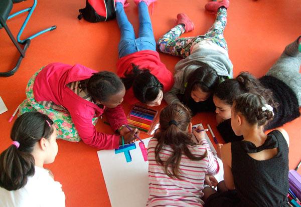 FLUX Maerchenprojekt 3 in der Schule