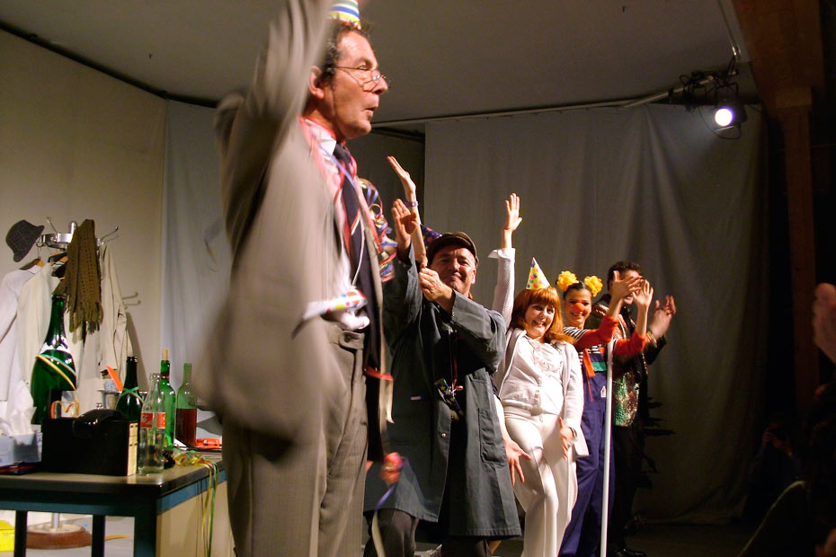 Theateratelier_AllesKonfetti_2007_copyright_anderle_065_930