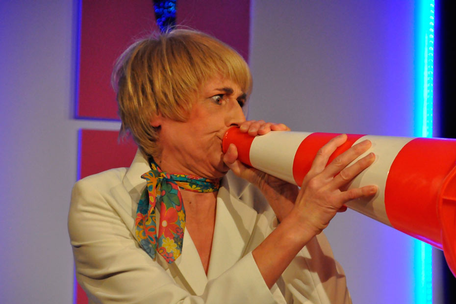 """Rita Schwanthaler in """"TopSIE gesucht"""" im Theateratelier 14 in Offenbach a.M.H"""