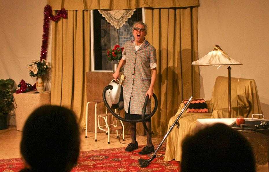Theateratelier_Weiberzauber_2011_copyright_herrmann_002_930