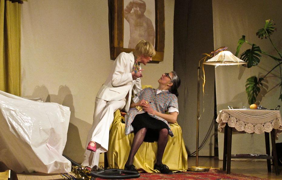 Theateratelier_Weiberzauber_2011_copyright_herrmann_004_930