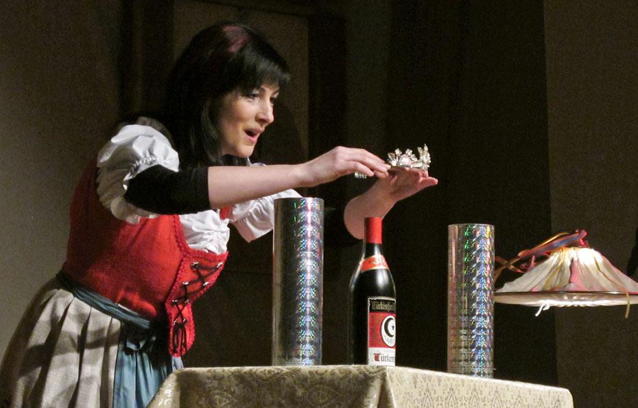Theateratelier_Weiberzauber_2011_copyright_herrmann_019_930