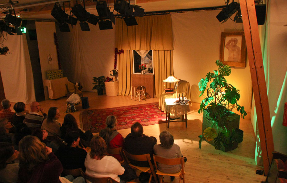Theateratelier_Weiberzauber_2011_copyright_herrmann_048_930