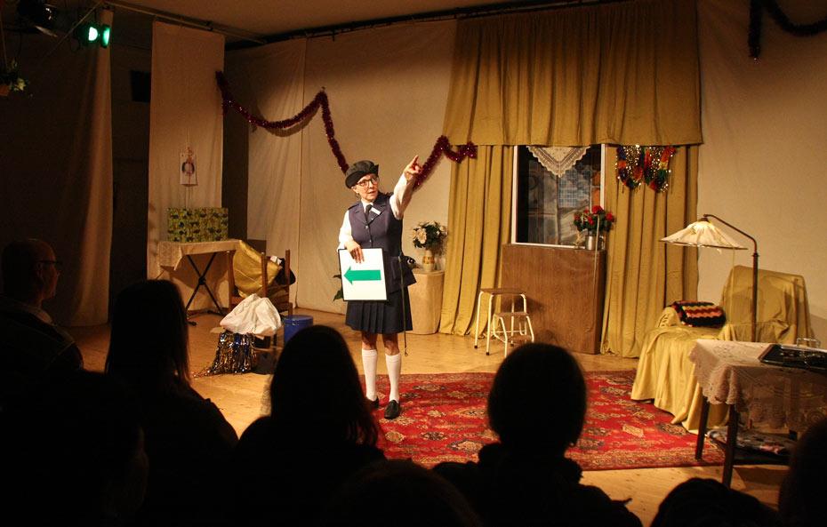 Theateratelier_Weiberzauber_2011_copyright_herrmann_054_930