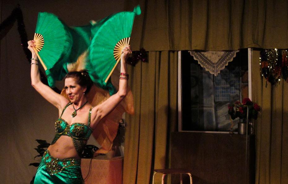 Theateratelier_Weiberzauber_2011_copyright_herrmann_060_930
