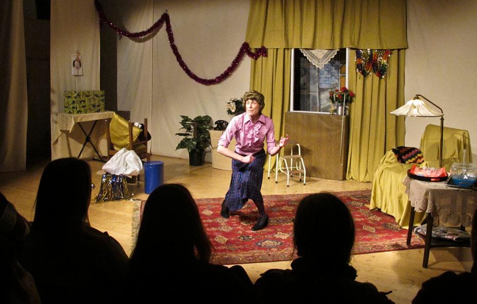 Theateratelier_Weiberzauber_2011_copyright_herrmann_78_930