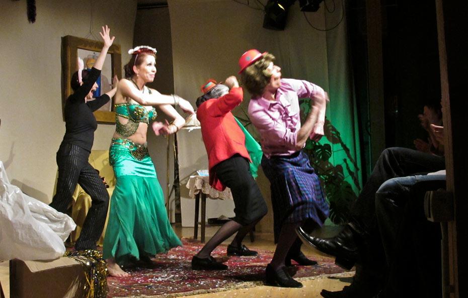 Theateratelier_Weiberzauber_2011_copyright_herrmann_92_930